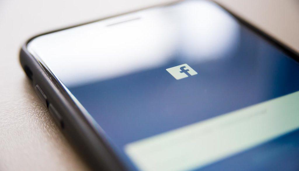 Viele Unternehmer sind sich heute bewusst, dass eine Firmenpräsenz bei Facebook sinnvoll sein könnte.